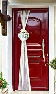 dekoration hochzeit deko delivers online tools that help you to stay in control of your personal information and protect your online privacy. Wedding Door Decorations, Wedding Wreaths, Bridal Shower Decorations, Diy Wedding, Rustic Wedding, Wedding Day, Wedding Doors, Bride Bouquets, Bridal Flowers