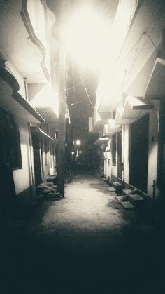 #solitude #bestfeeling #nightbeauty #night #black&white #street #streetlights