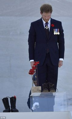 Prince Harry lay boots and poppies at the Canadian National Vimy Memorial to pay tribute to soldiers who lost their lives during a World War I battle. Prince Henry, Prince Of Wales, Prince William, Battle Of Passchendaele, Harry Windsor, Canadian Soldiers, British Royal Families, Royal Engagement, Duke Of Cambridge