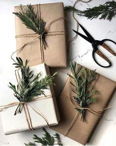 Christmas Present Wrap, Christmas Gift Wrapping, Holiday Gifts, Noel Christmas, Simple Christmas, Christmas Gifts, Christmas Decorations, Wraps, Minimalist Christmas