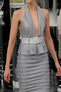 Chanel Spring 2017 Couture Fashion Show - Chanel Dresses - Trending Chanel Dress for sales - Chanel Spring 2017 Couture Accessories Photos Vogue Fashion Mode, Look Fashion, Runway Fashion, Spring Fashion, Fashion Show, Womens Fashion, Couture Mode, Style Couture, Couture Fashion
