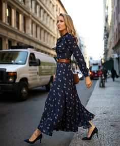 Fantastic maxi dresses are offered on our site. Have a look and you will not be sorry you did. Plus Size Maxi Dresses, White Maxi Dresses, Floral Maxi Dress, Casual Dresses, Fashion Dresses, Women's Fashion, Stylish Dresses, Modest Fashion, Floral Tie