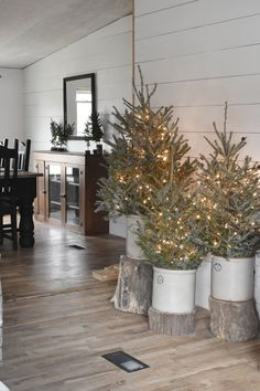 Looking for for images for farmhouse christmas tree? Browse around this website for very best farmhouse christmas tree images. This cool farmhouse christmas tree ideas looks totally wonderful. Primitive Christmas, Rustic Christmas, Christmas Home, Live Christmas Trees, Primitive Snowmen, Primitive Crafts, Homemade Christmas, Christmas Snowman, Winter Christmas