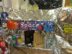 A super Space classroom display photo contribution. Great ideas for your classroom! Space Classroom, Classroom Displays, Classroom Themes, Classroom Organization, Space Preschool, Space Activities, Early Years Classroom, Role Play Areas, Outer Space Theme