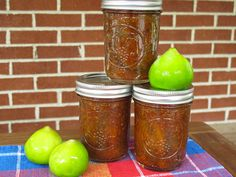 Take advantage of late season figs and make your own slow cooker fig preserves.