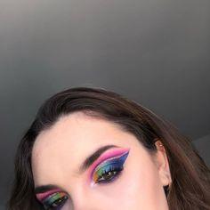 "Melody Barek on Instagram: ""Colored makeup 🌈  Qu'en pensez vous ? 😋  #makeupartist #palette #colored #maquillage #couleurs #jamescharlespalette #essaie #soleil…"" Palette, Makeup, Instagram, Soft Eye Makeup, Thinking About You, Sun, Colors, Make Up, Pallets"