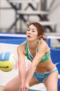 Pin on 透け Pin on 透け Beach Volleyball Girls, Girls Golf, Women Volleyball, Volleyball Workouts, Volleyball Shorts, Female Volleyball Players, Beautiful Athletes, Poses References, Sporty Girls