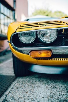 Alfa Romeo Montreal , I loved the headlamp shades the second I first saw this car. It just made this great car so sleepily sinister ; Alfa Cars, Alfa Romeo Cars, Best Classic Cars, Classic Motors, Top Cars, Car Detailing, Cars And Motorcycles, Montreal, Vintage Cars