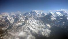 """1852 wurde der Gipfel im Osten des Himalaya in der """"Großen Trigonometrischen Vermessung Indiens"""" als höchster Berg der Welt identifiziert ..."""
