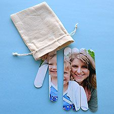 Here's a simple project for kids to make for Mother's Day. Photo + craft sticks = a puzzle any mom would love. You can print your phones using the My Kodak Moments app for Android and iPhone. Mothers Day Special, Mothers Day Cards, Mother Day Gifts, Craft Stick Crafts, Crafts To Make, Crafts For Kids, Craft Sticks, Mother's Day Projects, Projects For Kids