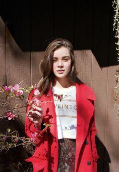 red #coat :: Hailee Steinfeld