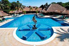 A 2km de la Playa del Carmen, Mexico, el Hotel Riu Lupita (Todo Incluido) está situado en la península de Yucatán. Está rodeado de una frondosa vegetación y ofrece a sus clientes una amplia gama de servicios de calidad. Hotel Riu Lupita – Hotel en Playa del Carmen – Hotel en México - RIU Hotels & Resorts