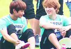 GIF. Kyuline. Kyuhyun and Minho. Cute ^^