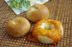 チーズベーグル - ベーグルにハマりそう!基本のベーグルレシピからアレンジや食べ方も♪ (5ページ目)|CAFY [カフィ]