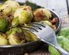 Choux de Bruxelles caramélisés au balsamique et aux oignons pour les fêtes : http://www.fourchette-et-bikini.fr/recettes/recettes-minceur/choux-de-bruxelles-caramelises-au-balsamique-et-aux-oignons-pour-les-fetes
