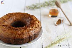 Questa ciambella integrale con miele e cannella è una semplice delizia profumatissima ideale per la prima colazione o per un'ottima merenda.