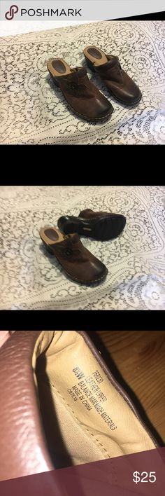 Confortable Shoes . Never used size 8.5 W  Very Confortable . Softspots Shoes