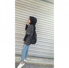 Fake  profil fotoğrafı Modest Fashion Hijab, Modern Hijab Fashion, Casual Hijab Outfit, Hijab Chic, Muslim Fashion, Casual Outfits, Fashion Outfits, Simple Hijab, Snapchat