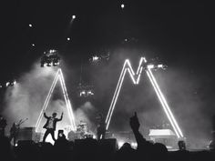 Image via We Heart It https://weheartit.com/entry/114400645/via/13625348 #alexturner #alternative #arcticmonkeys #blackandwhite #concert #fun #grunge #hipster #indie #love #music #rock #summer