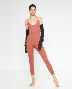 Imagem 1 de FATO-MACACO BALLET DECOTE COSTAS da Zara