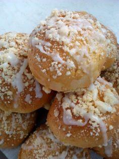 Bułeczki drożdżowe z nadzieniem | Moje Wypieki Doughnut, Bread, Cookies, Desserts, Food, Crack Crackers, Tailgate Desserts, Deserts, Brot