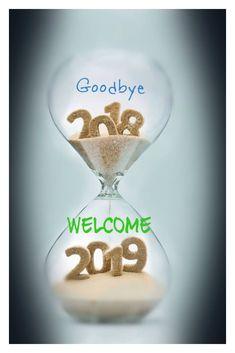 Bonne Année : Description Au revoir 2018 Bienvenue 2019 Nouvel An Photos. Happy New Year Quotes, Happy New Year Images, Happy New Year Wishes, Happy New Year Greetings, New Year Greeting Cards, Quotes About New Year, Happy New Year 2019, New Year Card, Merry Christmas And Happy New Year