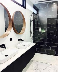 40 Awesome Clean Bathroom Remodel Setup You Need to Try Masculine Bathroom, Modern White Bathroom, Modern Bathroom Design, Beautiful Bathrooms, Parisian Bathroom, Natural Bathroom, Small Basement Bathroom, Bathroom Renos, Bathroom Renovations