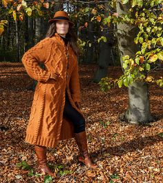 Ravelry: Andarta - Celtic Cabled Coat pattern by Anna-Sophia Maré Girl Dress Patterns, Coat Patterns, Blouse Patterns, Skirt Patterns, Vintage Patterns, Vintage Sewing, Aran Knitting Patterns, Jaune Orange, Dress Tutorials