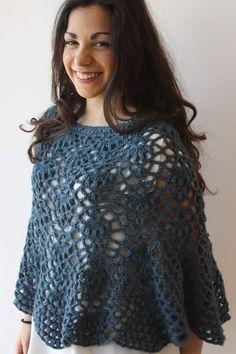 Poncho donna in lana alpaca azzurra Poncho lavorato a mano ad uncinetto Poncho Primavera Cod. PO5 di AllegrettaHandmade su Etsy