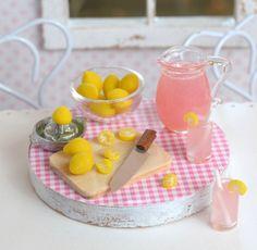 Miniature Making Lemonade Set.