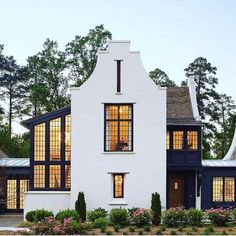 There are many ideas that you can try for home exterior design. It is depends on the design and style of your home. The purpose of home exterior decoration is. Spanish Style Homes, Spanish House, Design Seeds, Style At Home, White Exterior Houses, Exterior Doors, Black Exterior, Modern Exterior, House Of Beauty