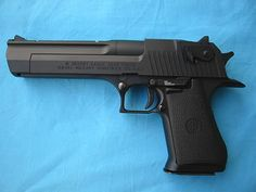 44 Magnum Desert Eagle this is the gun i want when me and mel get our license to carry!!!!!!!