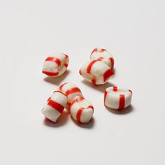 Looking for minty-fresh breath for the mistletoe? Snack on these 7 Peppermint Puffs for just 70 calories! | Health.com
