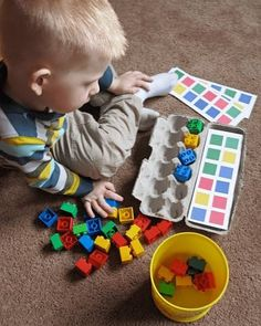 Montessori from egg boxes Montessori Activities, Preschool Learning, Infant Activities, Fun Learning, Preschool Activities, Learning Colors, Teaching Math, Kids Crafts, Toddler Crafts