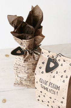 Get all your Purim mishloach manot ready with style and ease with these adorable pre-printed bags made from 100% post consumer recycled paper.