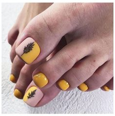 36 The Trend Toe Art Nail Designs In Summer - Summer is coming, which means we can wear sandals or flip flops and walk barefoot on the lawn or be - Feet Nail Design, Toe Nail Designs, Acrylic Nail Designs, Nails Design, Pretty Toe Nails, Cute Toe Nails, Toe Nail Color, Toe Nail Art, October Nails