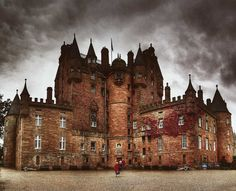 Glamis Scotland King Malcom ll was killed here in 1034 It is said that it is the most haunted castle in Scotland Modern Magic, Most Haunted, World Pictures, Cozy Cottage, Barcelona Cathedral, Scotland, Medieval, Building, Hdr