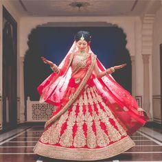 The really royal sari! Photo by Darshan Sethi Photography, Jaipur #weddingnet #wedding #india #indian #indianwedding #weddingdresses #mehendi #ceremony #realwedding #lehenga #lehengacholi #choli #lehengawedding #lehengasaree #saree #bridalsaree #weddingsaree #indianweddingoutfits #outfits #backdrops#bridesmaids #prewedding #photoshoot #photoset #details #sweet #cute #gorgeous #fabulous