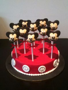 Mickey Mouse cake pops