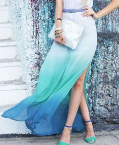 Elegant ombre maxi skirt in blues