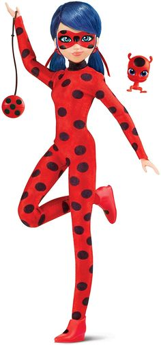 Shout out for all Miraculous Ladybug fans. Now we can have a look at the final versions of the new Miraculous Ladybug dolls from Playmates!They are already out for preorder in Europe.New Miraculous Ladybug Playmates doll in super hero outfitCollectors from US can get it here: Miraculous Ladybug Queen Bee, Miraculous Ladybug Villains, New Dolls, Barbie Dolls, Marinette Doll, Cute Night Lights, My Little Pony Movie, Jessie Toy Story, Ladybug Y Cat Noir