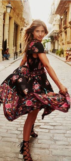 Turquoise Lane Spanish Inspired Floral Print Summer Dress    CALLE CUBANO   Rocky Barnes #turquoise