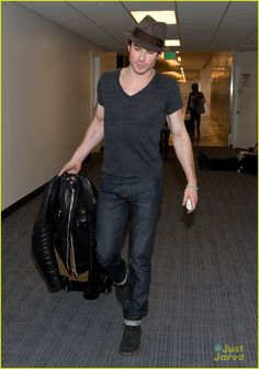 [Obrazek: ian-somerhalder-back-to-atlanta-02.jpg]