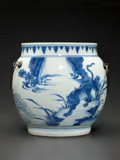 A blue and white 'Dragon and Tiger' jar, Shunzhi period, circa 1650-1660.