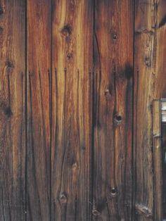Cómo darle un estilo antiguo a la madera nueva | eHow en Español