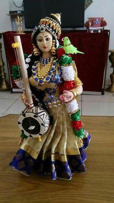 GODESS godha devi Gauri Decoration, Saraswati Goddess, Durga, Krishna Avatar, Quilling Dolls, Homemade Dolls, Indian Goddess, Happy Navratri, Wedding Doll