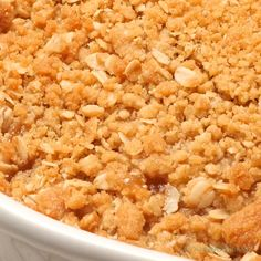 Easy Apple Crisp Recipe The post Easy Apple Crisp Recipe appeared first on Dessert Park. Easy Peach Crisp, Apple Crisp Easy, Best Apple Crisp Recipe, Apple Crisp Recipes, Köstliche Desserts, Delicious Desserts, Yummy Food, Tasty, Desert Recipes