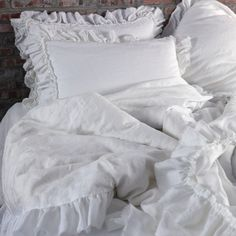 The pure linen ruffles Duvet cover with torn edges does not just protect your comforter but lends your bed with a very exuberant & lavish quilt cover. Visit us!
