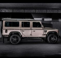 Seriously cool Defender by A. Kahn Design: www.kahndesign.com