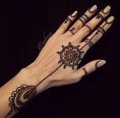 Elegant henna design